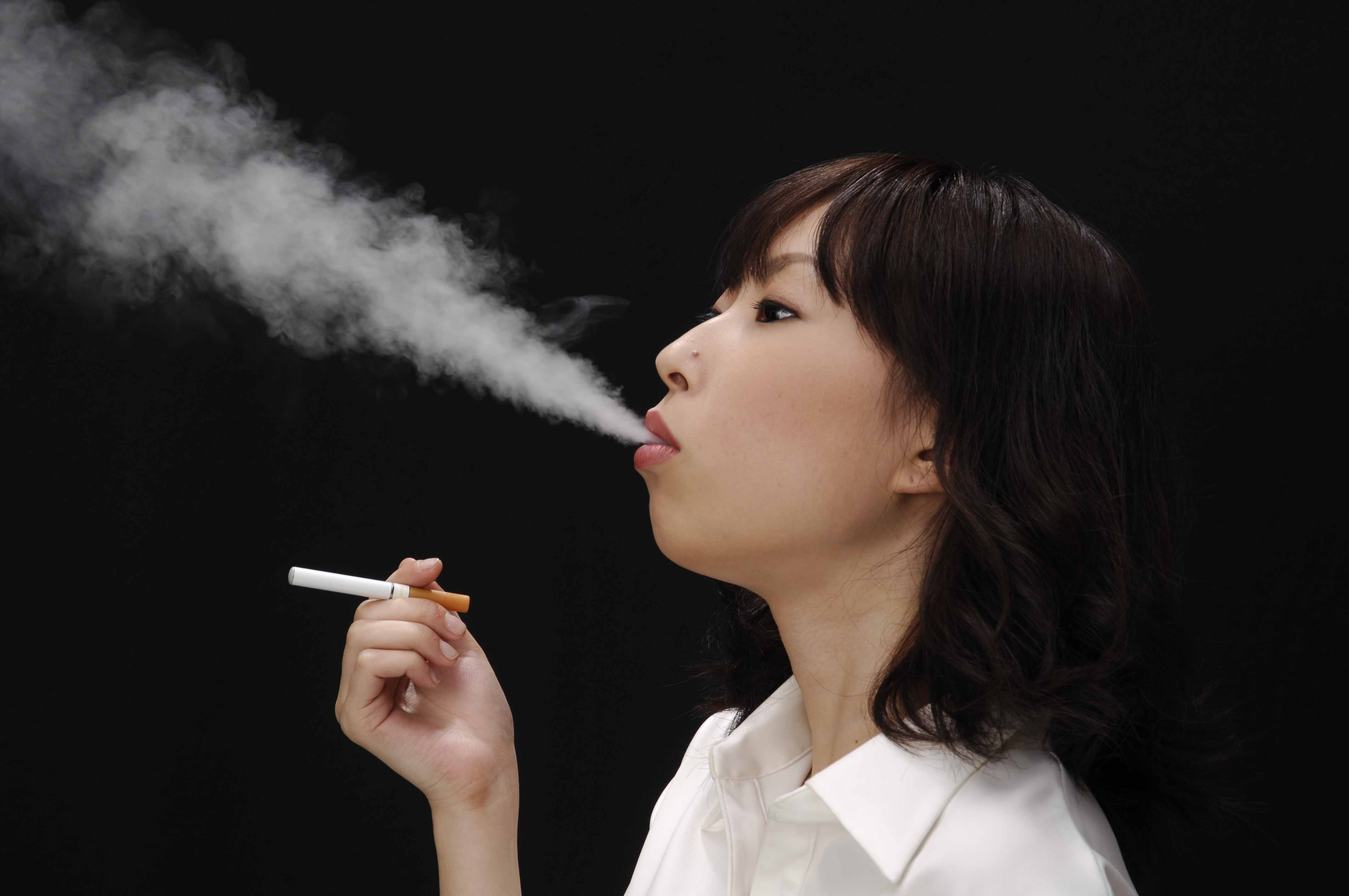 ☆☆喫煙女性に萌え 3本目☆☆YouTube動画>33本 ->画像>277枚