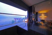 開放感溢れる客室展望風呂