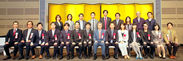 受賞者と関係者、選考委員全員による記念撮影