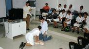 発展途上国での蘇生教育風景(画像はイメージです)