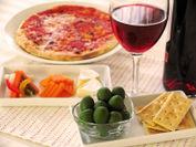 オリーブとワインの食卓