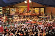 約500体に及ぶ座敷雛のジオラマ(福岡)