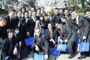 4月に日本武道館で行われた入学式の様子 1