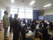 訪問の様子(諏訪台中学校)
