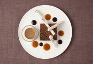 ダークチョコレートとクルミのパルフェグラッセ、テリーヌ仕立て