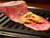 リブロース&極上ウニのロール焼き