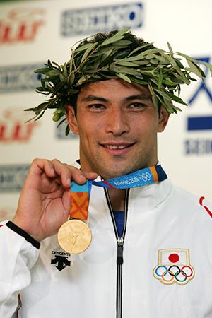 2004年アテネ五輪で金、2012年ロンドン五輪で銅メダル獲得 ハンマー ...
