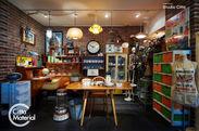 家具・雑貨などヴィンテージアイテムを多数販売