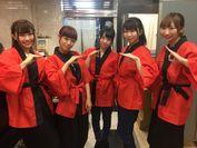 メンバーは寿司店で働くこともあります