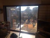 室内から見たフィルム貼付け後の窓