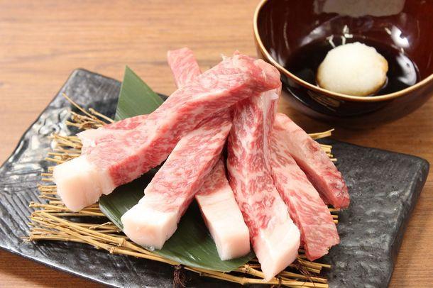 を使った焼肉料理を、よりリーズナブルにお客様に提供することをコンセプトにした新業態「焼肉X牛(やきにくエックスぎゅう )」を新宿歌舞伎町にオープンしました。