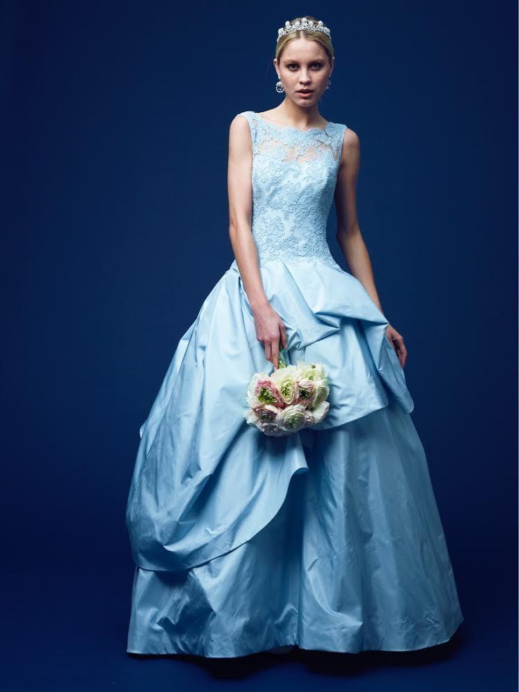 3e5015456f64d セクシーでドラマティック、自身に満ちた魅力を融合した究極の女性らしさを表現したドレスは、全てが芸術作品であり、オートクチュールならではのディテールに溢れてい  ...