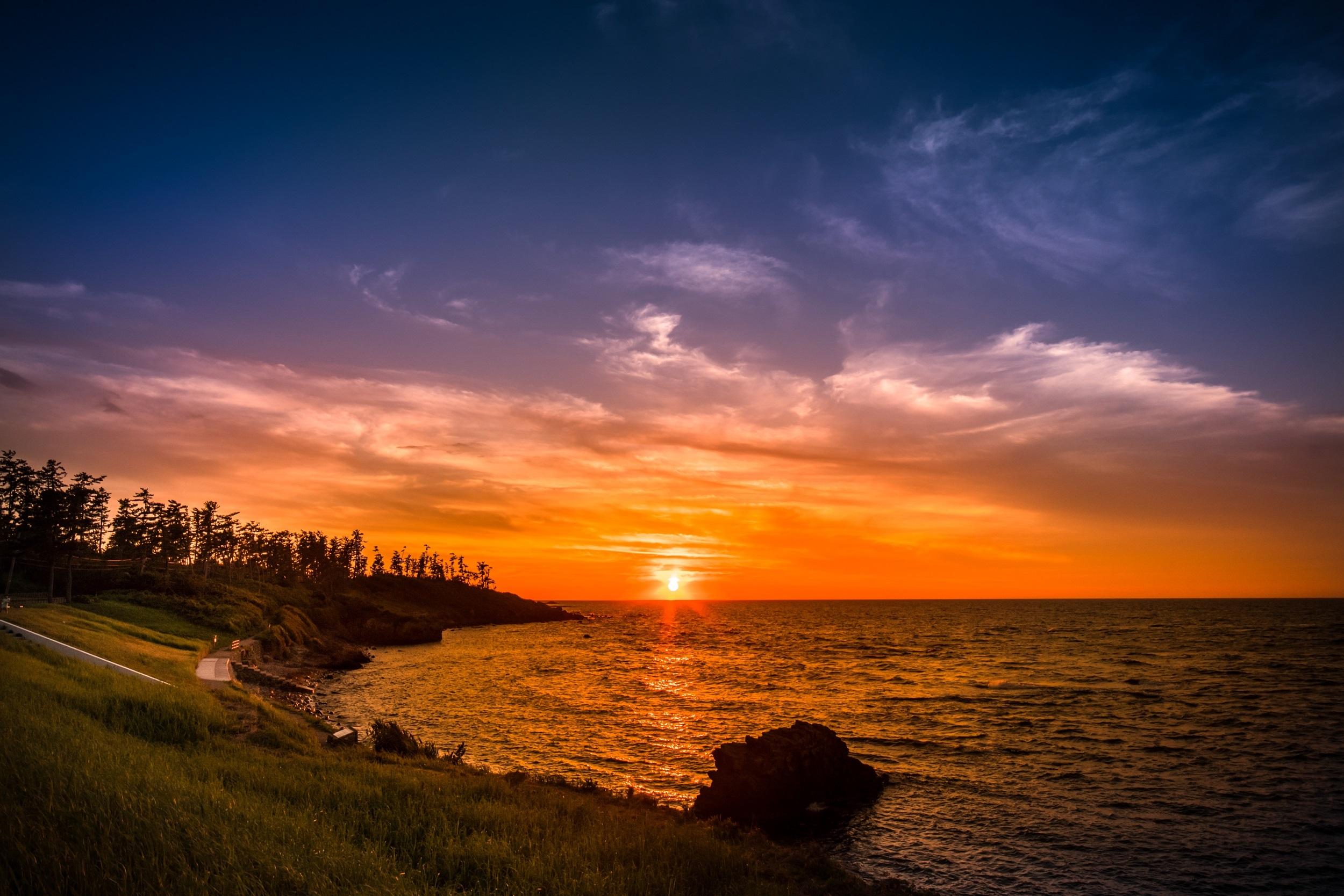 越前三国・夕日を眺められる二の浜海岸