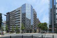 リビングライフ新横浜センターのあるKCビル外観。店舗は6階