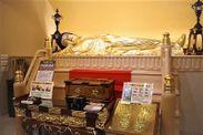 1階の釈迦涅槃像