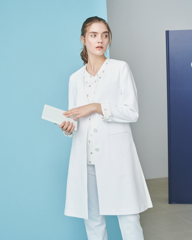 白衣 の 後悔 white blue