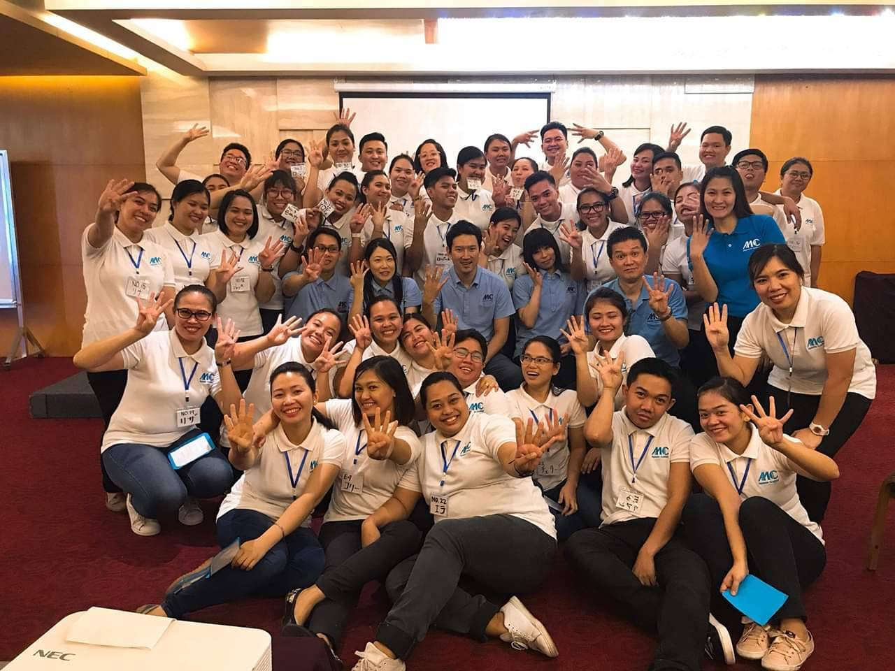 2025年、日本で約38万人の介護士不足が予想される中、4年間で100名超のフィリピン人・ミャンマー... 画像