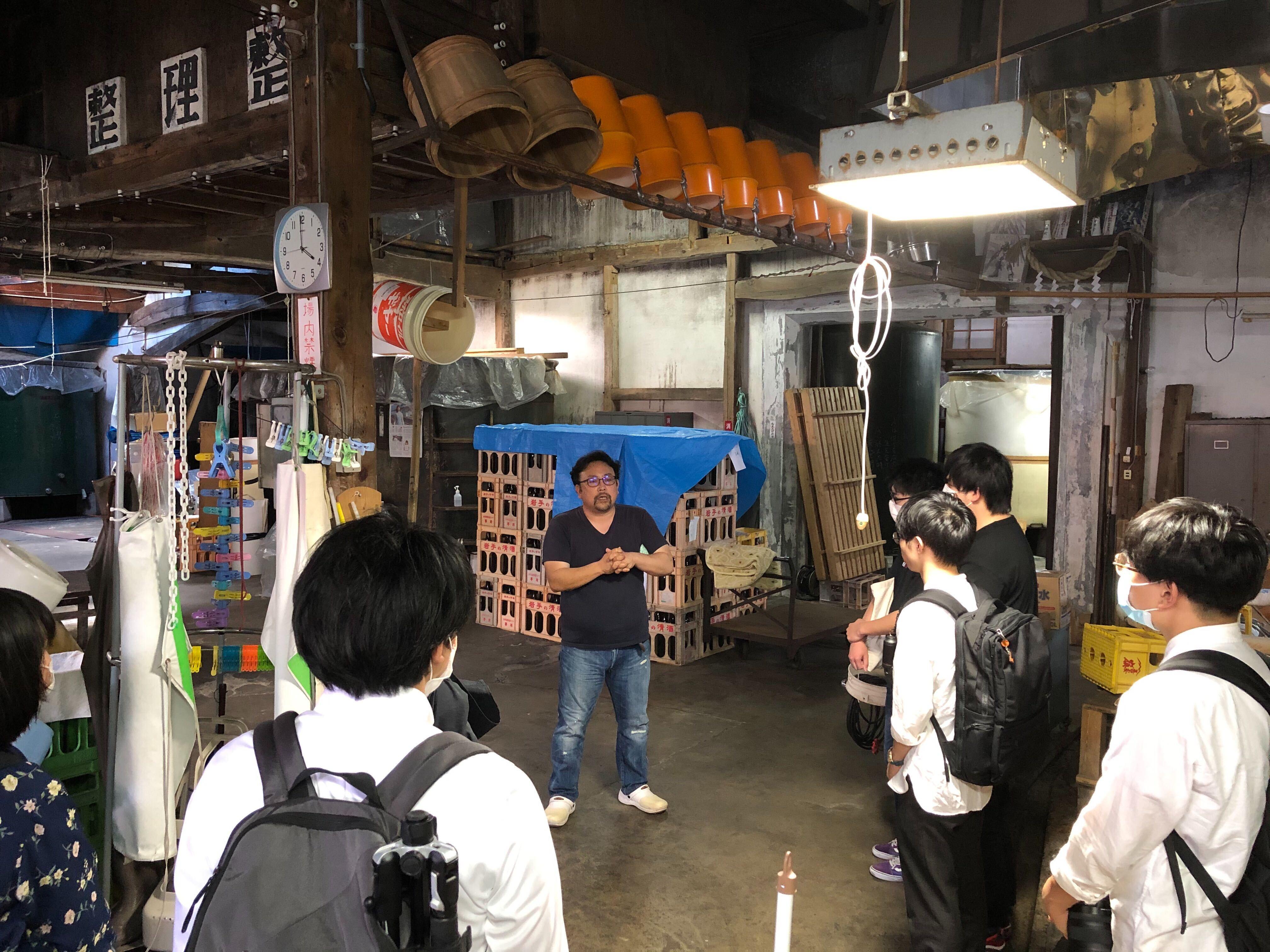 学生による吾妻嶺酒造店見学2