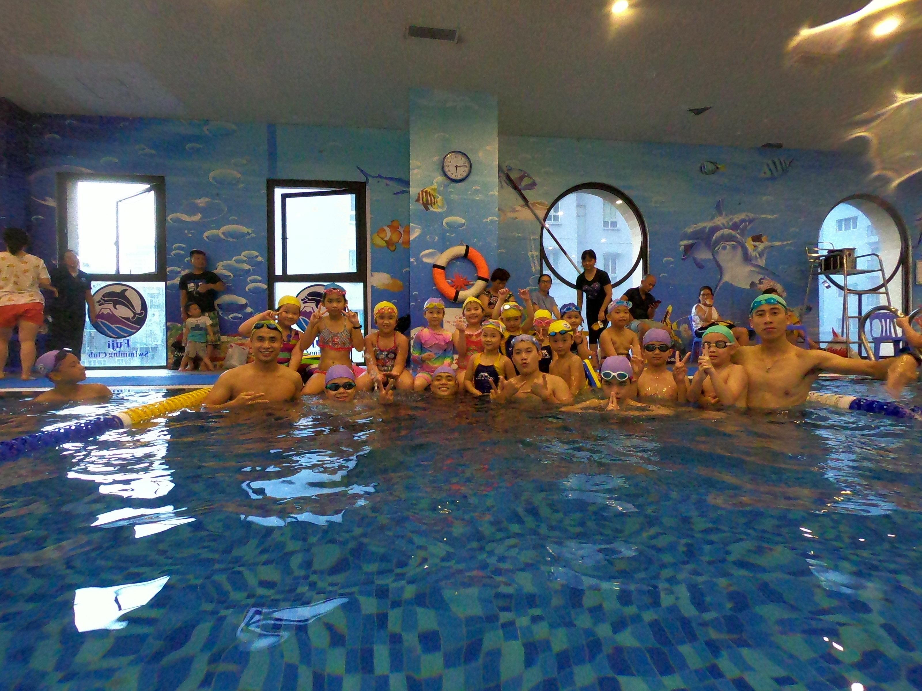 日本で47年の指導実績を基にFujiSwimmingClubが、ベトナムハノイで日本式スイミングレッスンをスタート