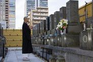 屋上で祈りを