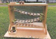 木材部門最優秀賞「旭山のレッサーパンダが遊ぶ 吊り橋スロープトイ」