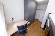 個室の机と椅子