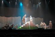 音楽劇「あらしのよるに」(2019年公演より) 撮影:青木司