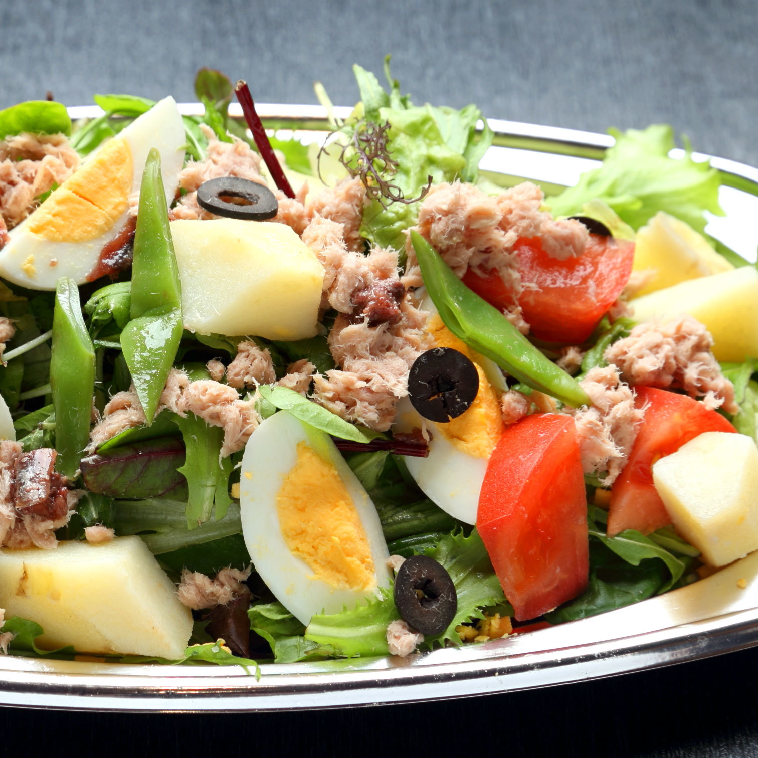 アンチョビとニンニク香る ニース風サラダ