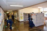 北九州市内特別支援学校への「TOYO COAT」施工の様子