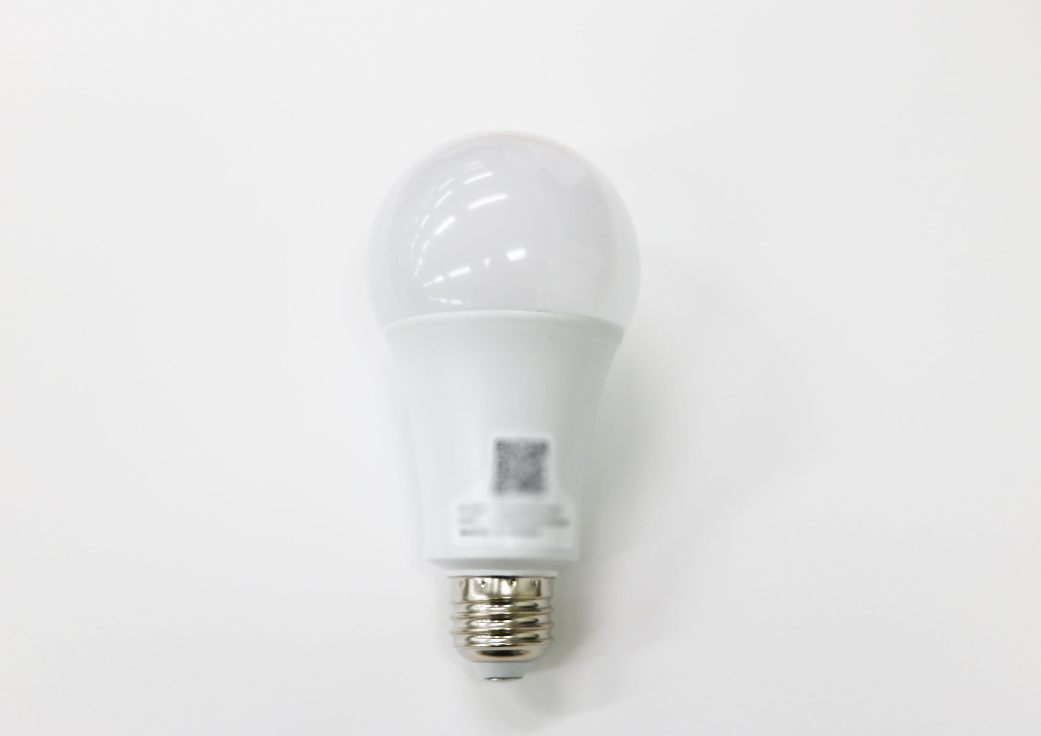 (参考画像)IoT電球イメージ_別アングル