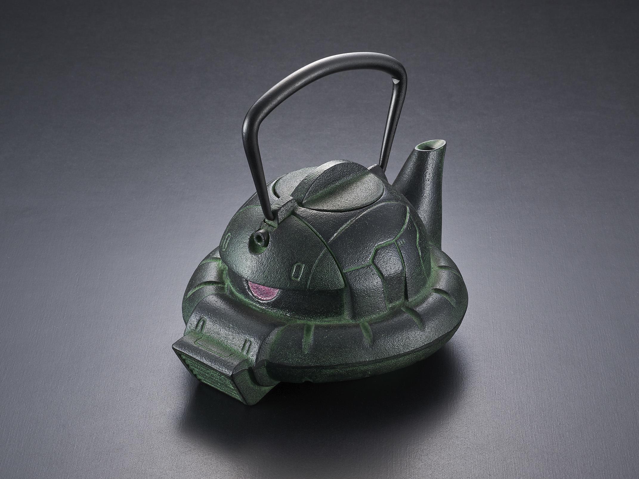 ガンダムに登場するザクの頭部をモチーフにした鉄瓶がGREENカラーにバージョンアップして再登場! ~... 画像