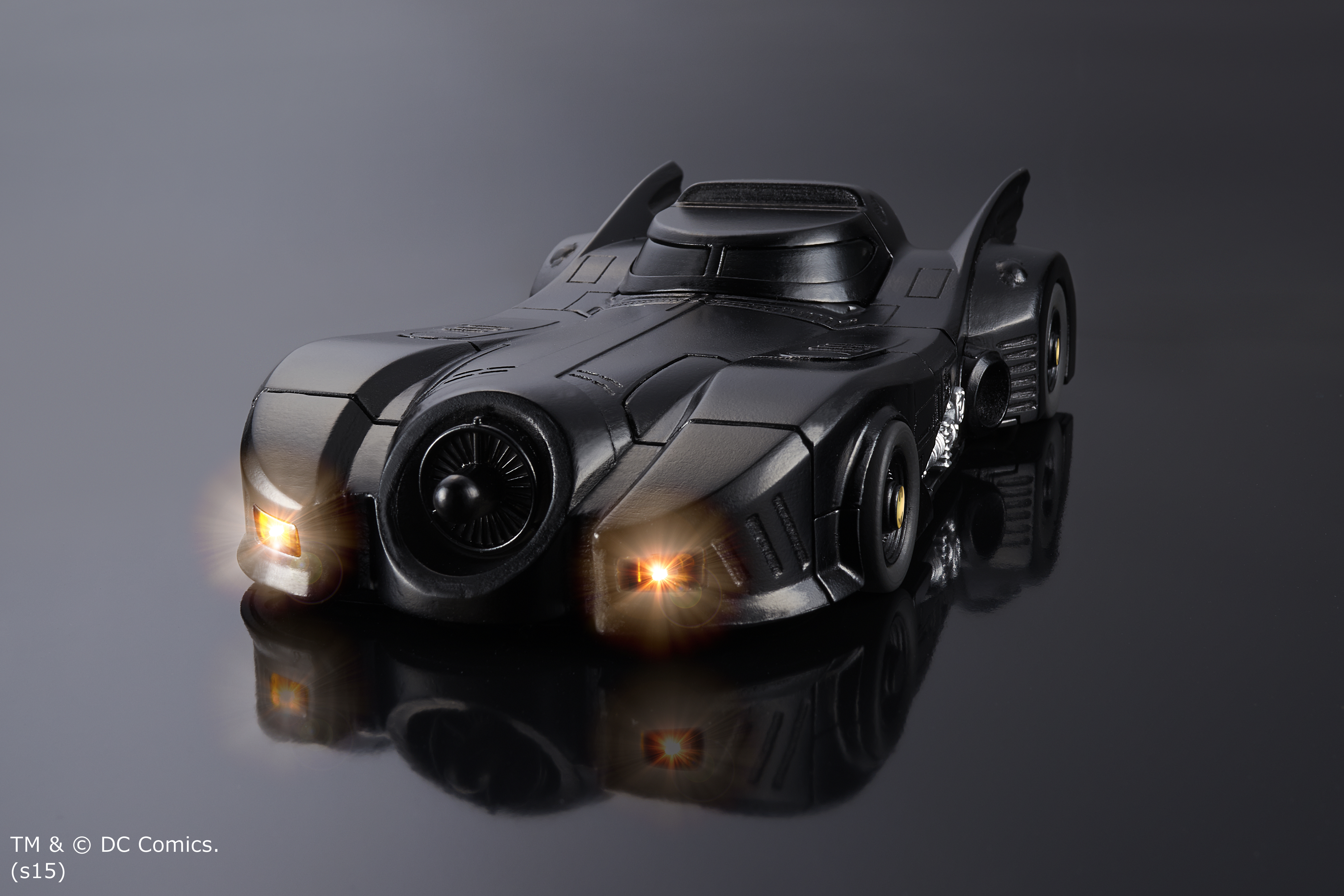 CRAZY CASE BATMOBILE(1)